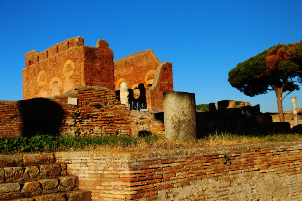 Cisiting Ostia Antica from Rome