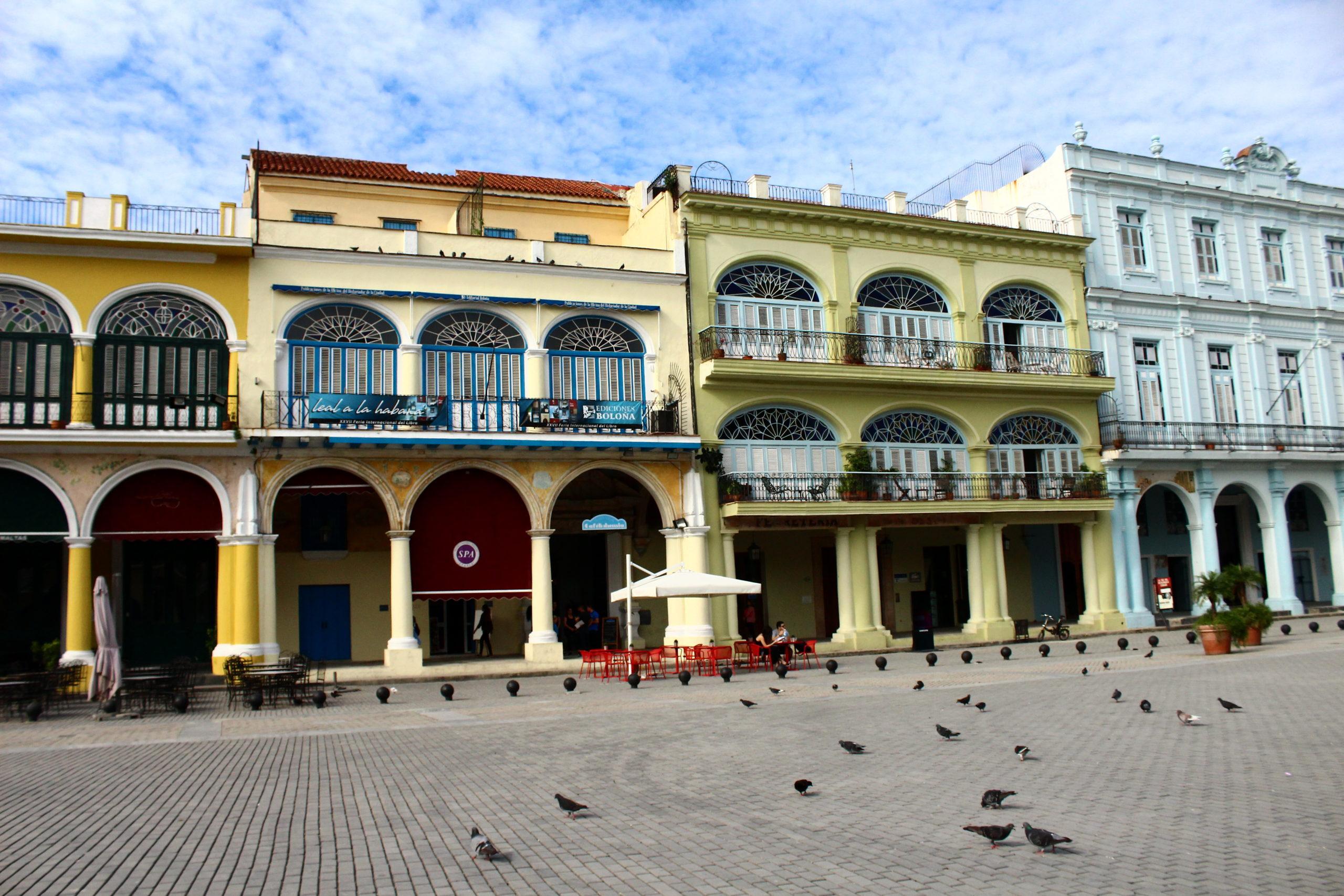 Plaza Vieja | Things to do in Havana