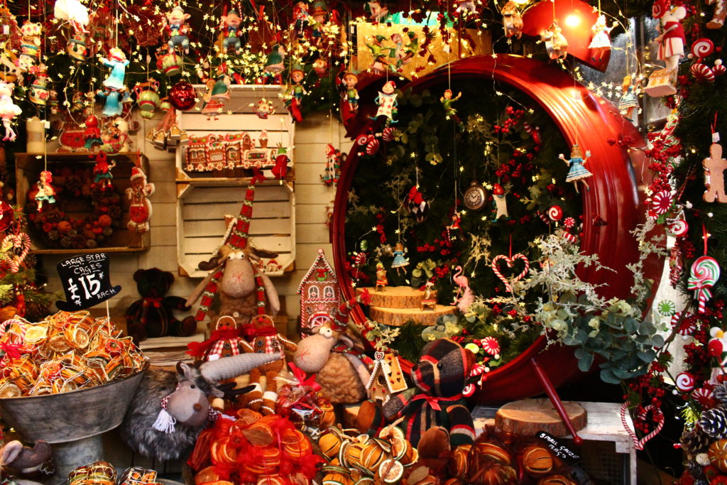 Edinburgh Christmas market | Things to do in Eidnburgh in winter